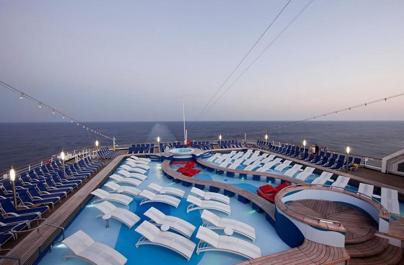 Deck do navio MS Rotterdam